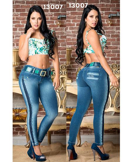 Jeans levanta cola colombianos en Santander