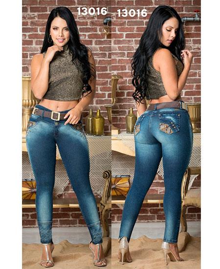Jeans levanta cola colombianos en Valencia